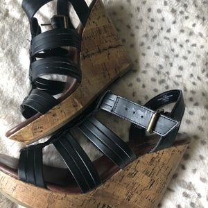 Mossimo Black strappy wedges